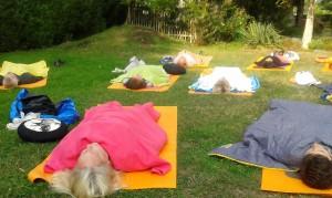 Yoga nidra au jardin